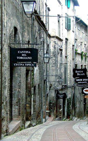 A quiet street in Spoleto