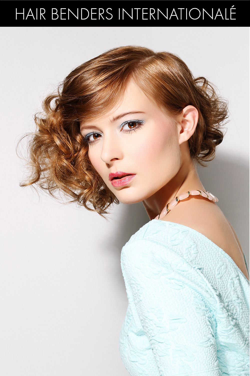 Vintage Romantic Hairstyle for Spring http://trendynesia.com/100-best-hairstyles-for-2016/