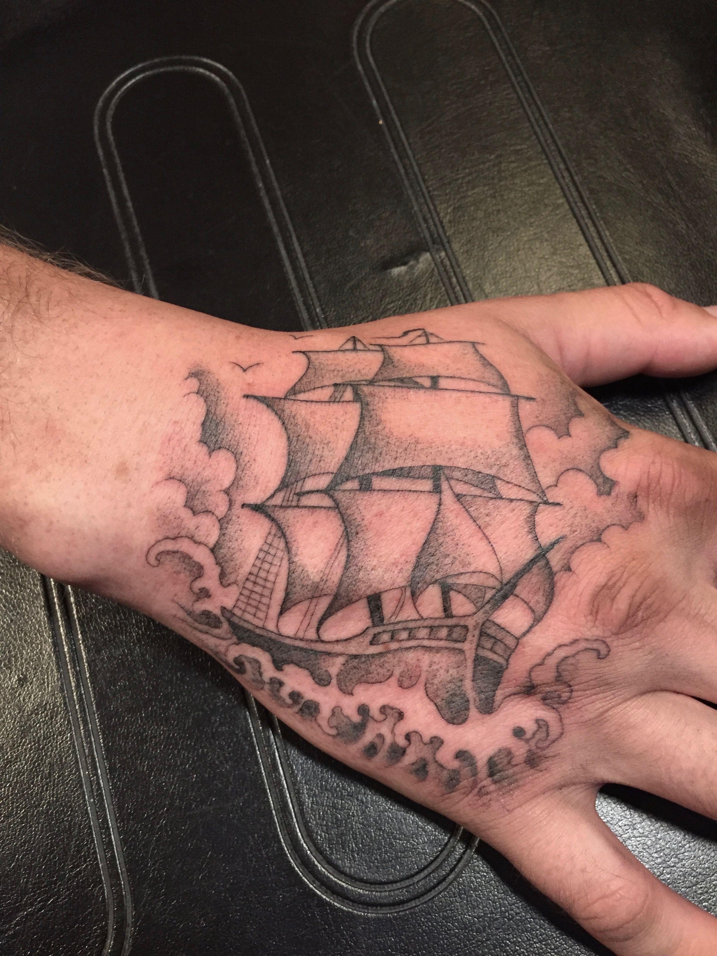 Black and gray stipple single needle ship hand tattoo by Jason Metka Medford Oregon #medfordoregontattoos #medfordtattoos #southernoregontattoos #handtattoos #blackandgraytattoos #blackandgreytattoos #singleneedletattoos #stippletattoos