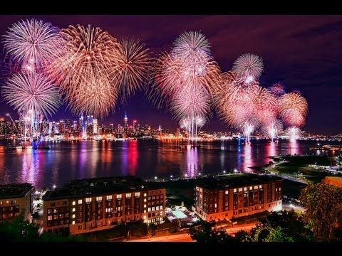 4th of July Fireworks in New York City—-MUST WATCH—-Best Firework Show USA