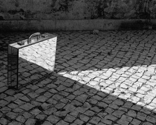 Mirror man, Rui Calcada Bastos