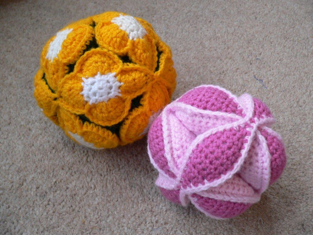 Flower Crochet Amish Puzzle Ball - Free Pattern by LookAtWhatIMade ...