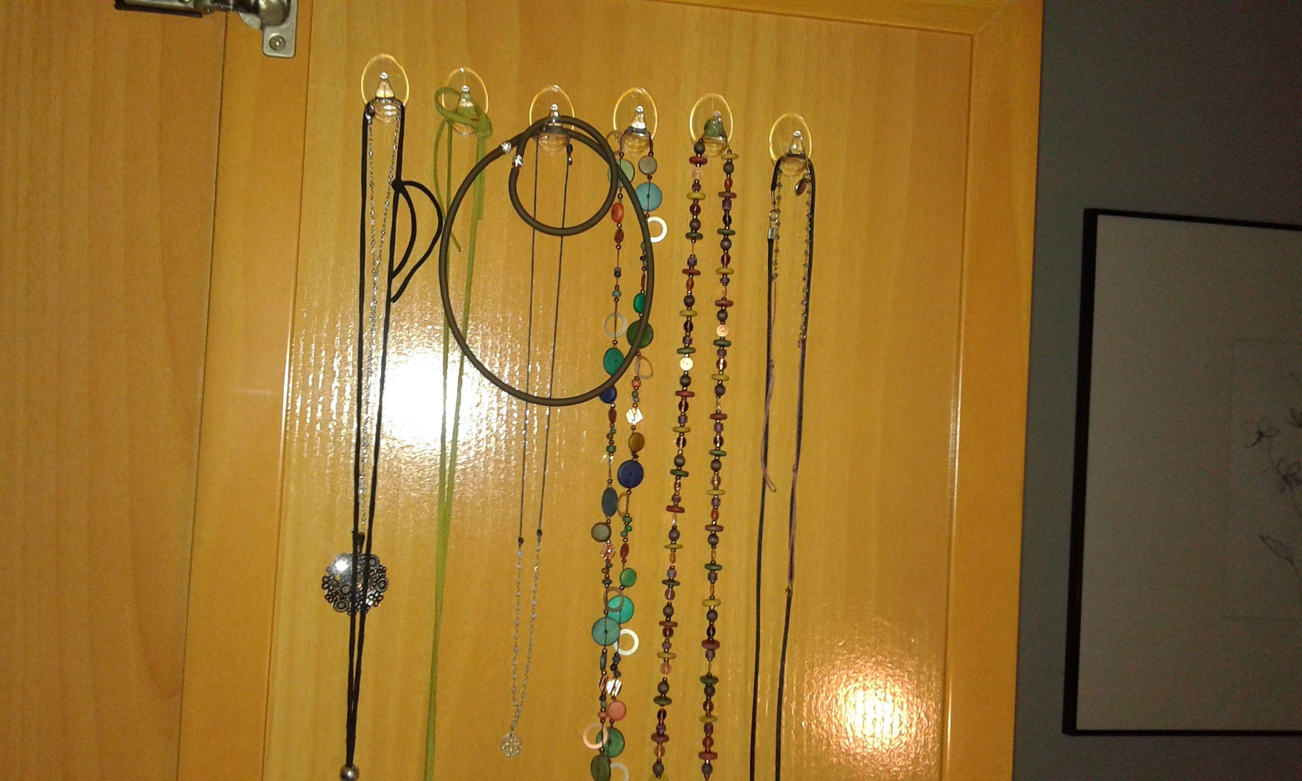 Organizaci n de armarios colgadores en la puerta de tu - Organizacion armarios ...