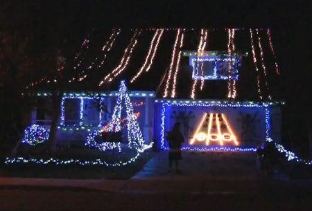 christmas lights garage - Google Search - Christmas Lights Garage - Google Search DECORATING - With Lights