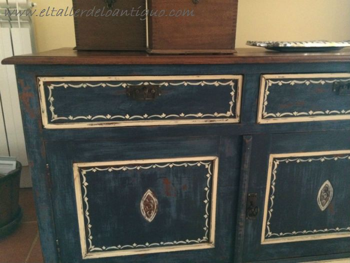 pintura decorativa en un mueble ingl s nuestros trabajos. Black Bedroom Furniture Sets. Home Design Ideas