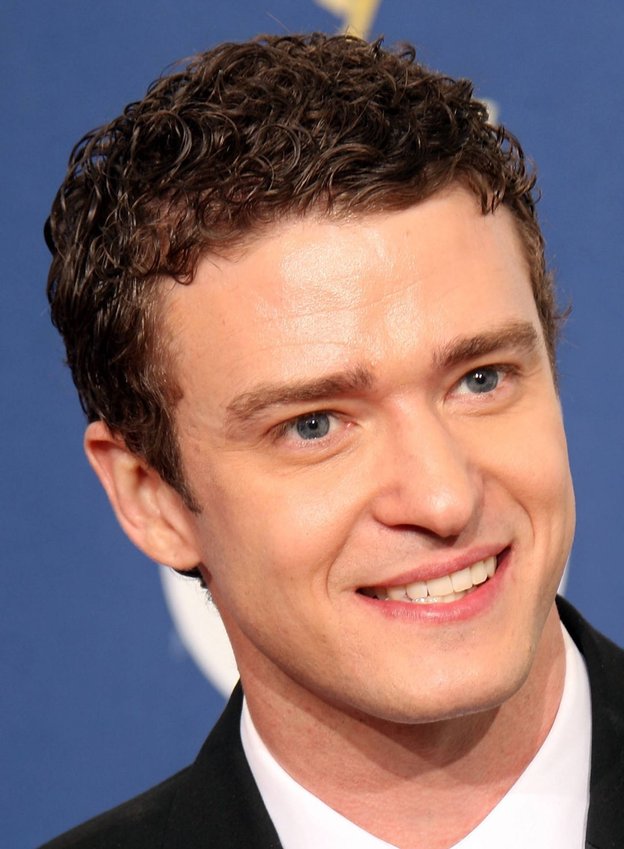 formal curly hairstyle for men - Google Search (With images) | Curly hair men, Mens hairstyles ...