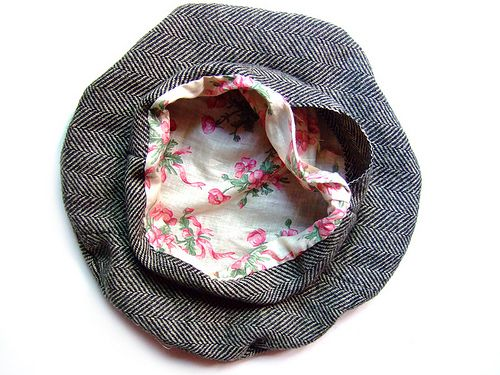 Tutorial: Garbo Hat. A lovely hat - and directions included for handsewing. A perfect portable project!