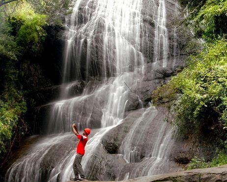 Waterfall at #kodaikanal hillstation :http://www.tripglob.com/famoushillstation/hillstation/kodaikanal #travel