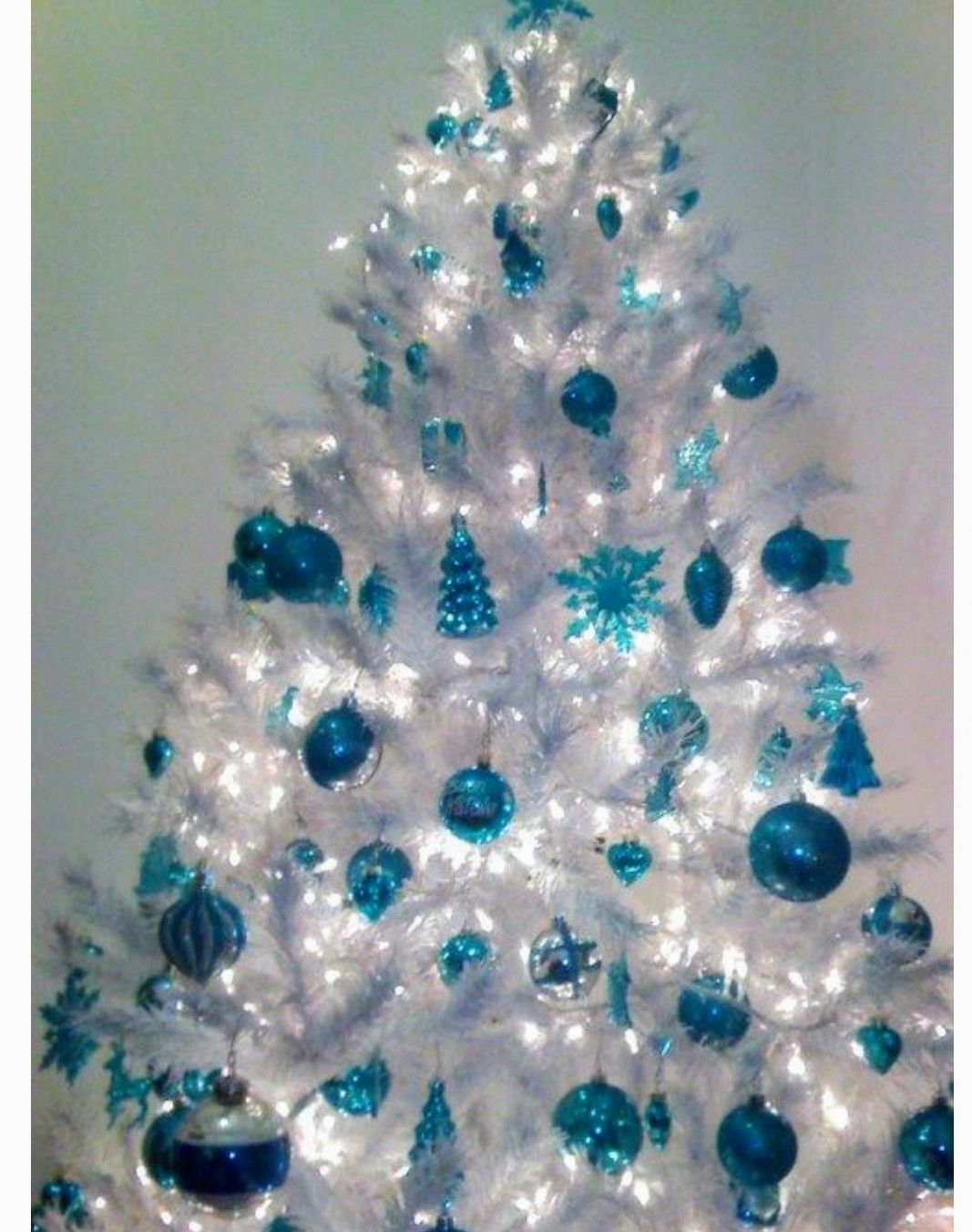 Turquoise Christmas Lights.Turquoise And White Christmas Tree Turquoise Christmas
