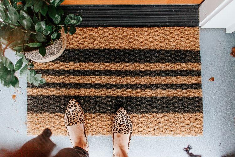 Diy Painted Doormat Ikea Hack Video Door Mat Diy Diy Spray Paint Door Mat