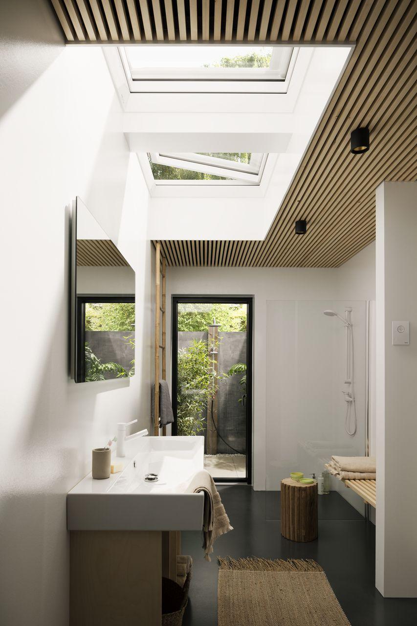 Salle De Bain Sous Pente salle de bain sous pente : idées et conseils d'aménagement