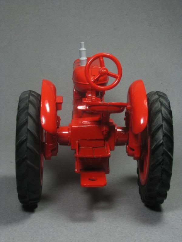 Love this little metal tractor