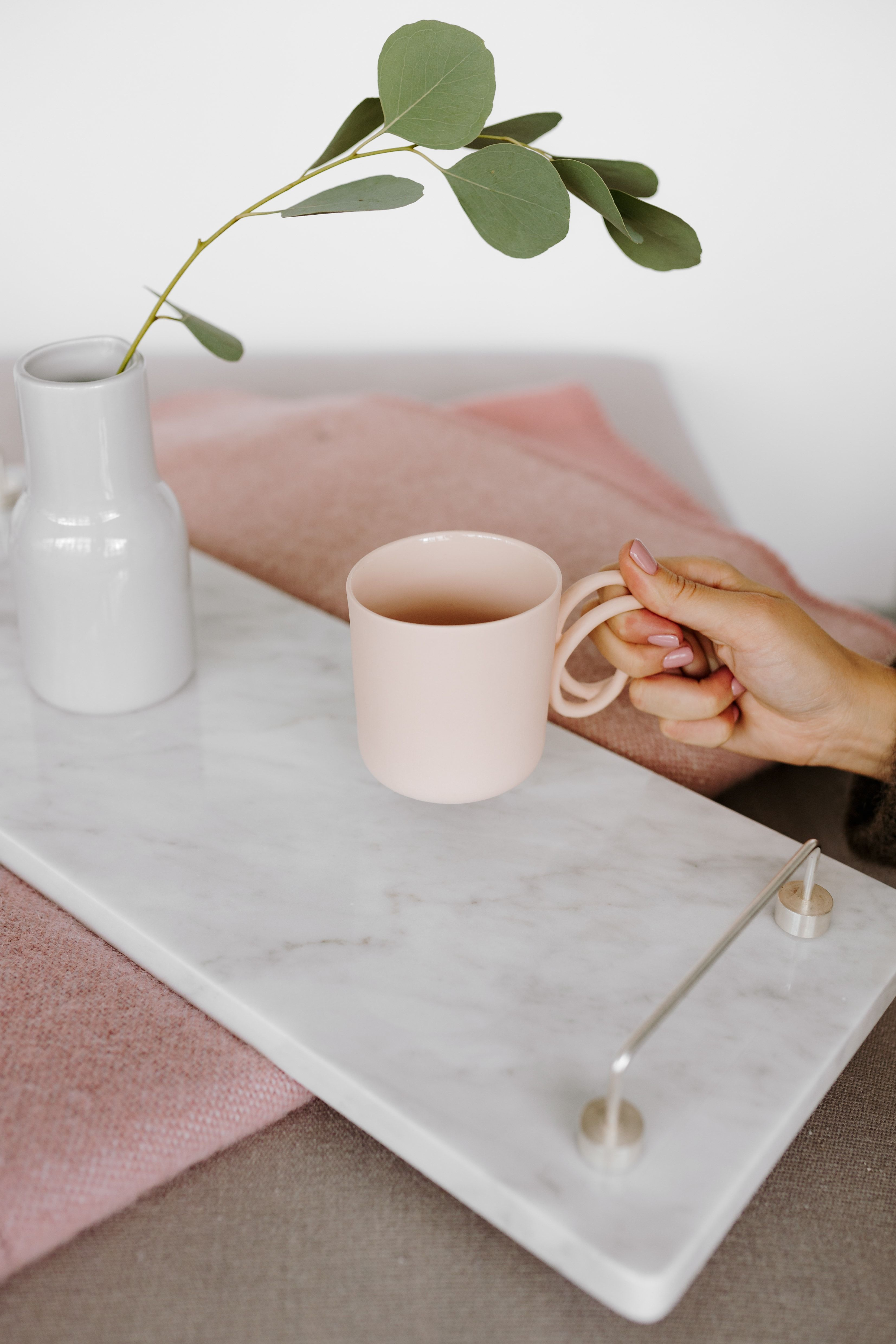 Marble tray with silver handles, #marble #marbledesign #marbleaccessories #tray #uncommon #uncommondesign #homedecor #homedesign #homeaccessories fot. Karolina Grabowska//KABOOMPICS