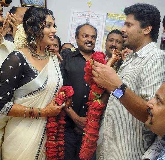 Rima Kallingal Actress Aashiq Abu Director Wedding 01 11