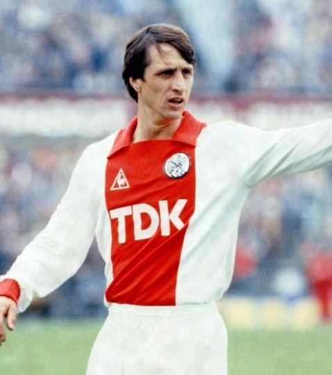 Ajax Est Tout Abord Et Surtout Johan Cruyff Le Hollandais Volant Mene Son Equipe Vers Les Sommets De Europe En Tant Que Joueur Triple Vainqueur De La Et Entra Neur Wide Hot