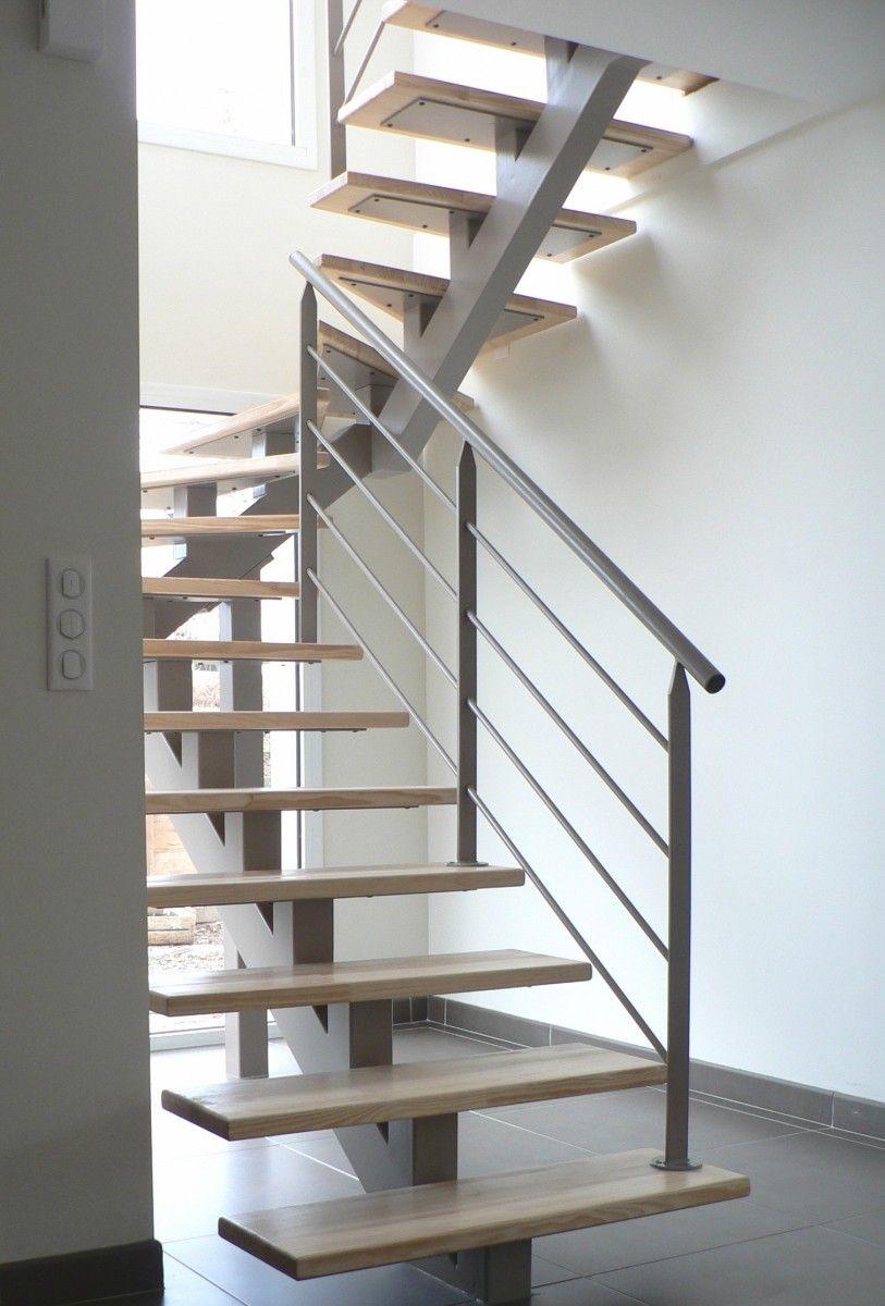 Escaliers intérieurs tournants limon central sur mesure dans les ...