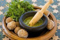 Receta de Mojo verde canario #RecetasGratis #RecetasFáciles #RecetasdeCocina #Dips #Salsas #RecetadeSalsas #SalsasParaVerduras #Mojo