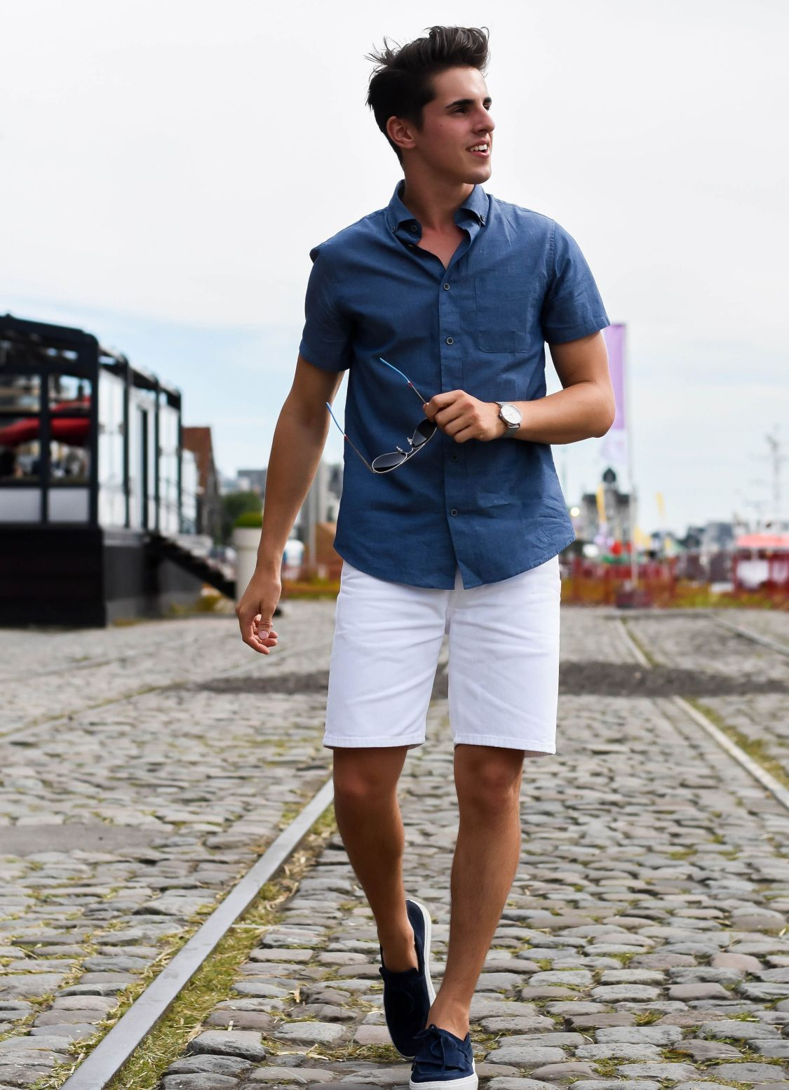 30 Cool And Fashionable Men S Shorts Ideas To Looks More Handsome Fashions Nowadays Summer Outfits Men Mens Fashion Summer Mens Street Style [ 1554 x 1125 Pixel ]