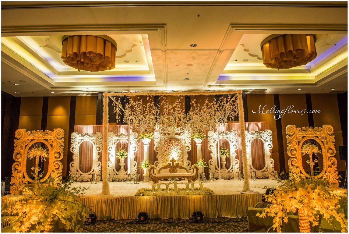 The Ritz Carlton Banquet Halls In Bangalore Decorated For Wedding