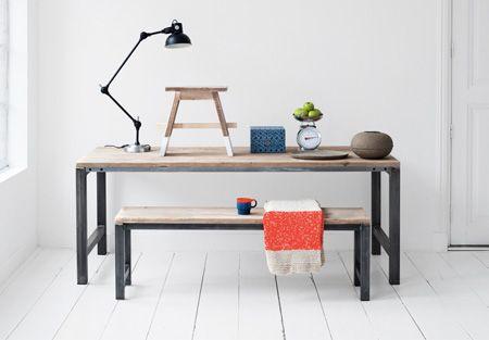 10x Vierkante Eettafel : Tafel met stalen onderstel vierkante zwart stalen buizen mooie