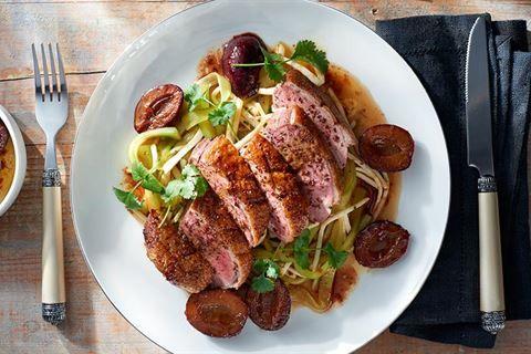Piers Kaczki Z Glazurowanymi Sliwkami I Czekolada Przepis Recipe Food Meat Beef