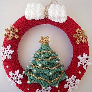 Christmas wreath in crochet, Door hanger decoration, Snowflakes ...