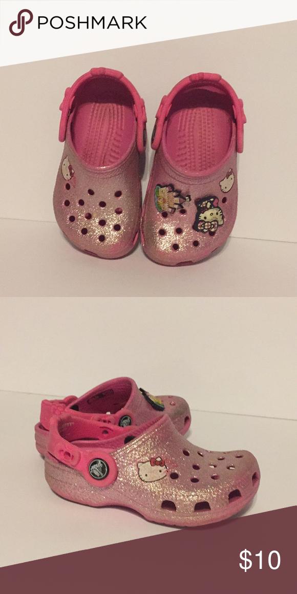 232865410b5906 Girls Hello Kitty Crocs size 6-7 Hot pink glitter. Hello kitty crocs.  Toddler girls size 6-7. In good used condition