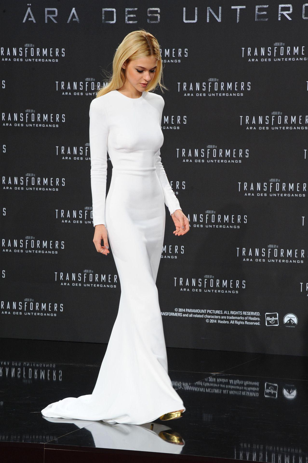 Realmofthesenses Nicola Peltz In Stella Long Sleeve White Gown Fashion Dresses [ 1920 x 1278 Pixel ]