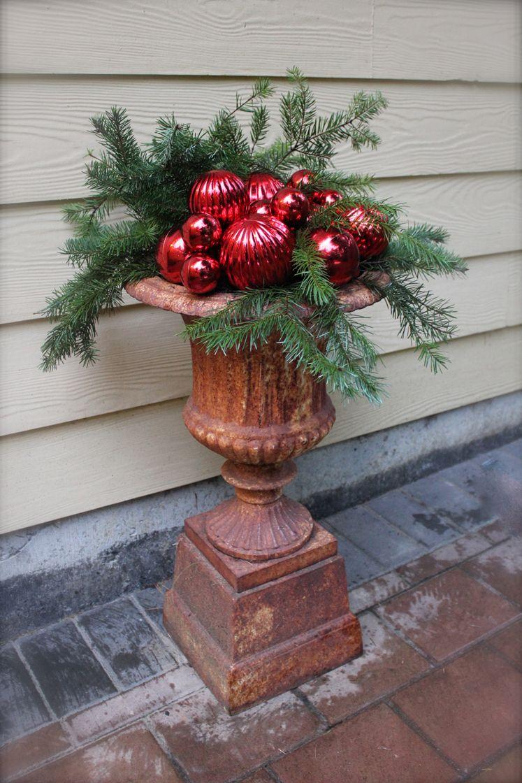 Christmas Planters Diy.Easy Christmas Planter Diy Grillfusion Outdoor Decor