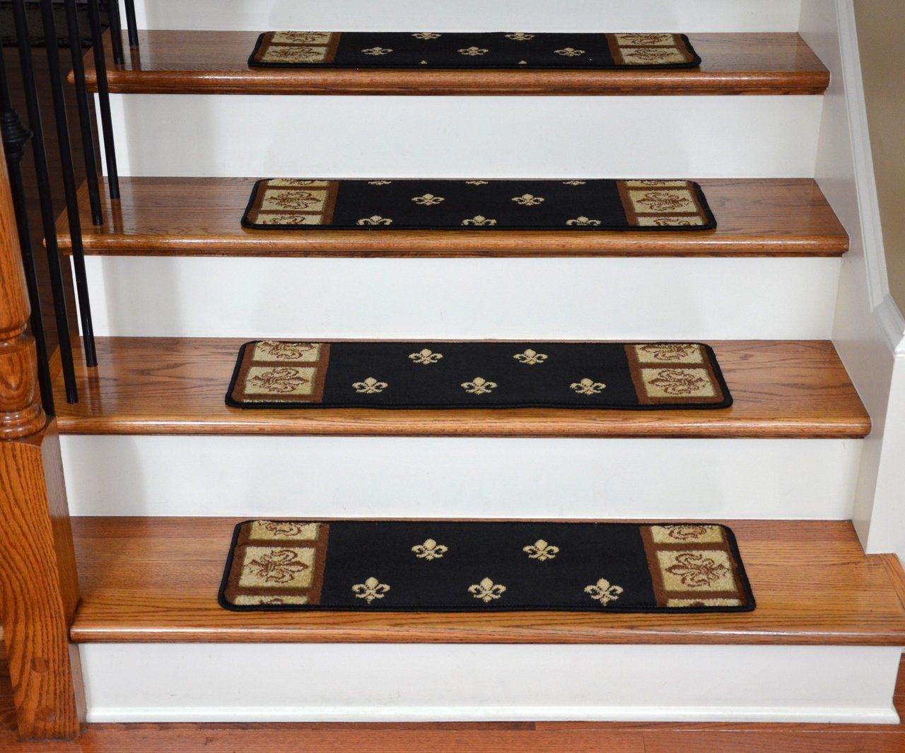 Best Dean Premium Carpet Stair Treads Black Fleur De Lys 31 400 x 300