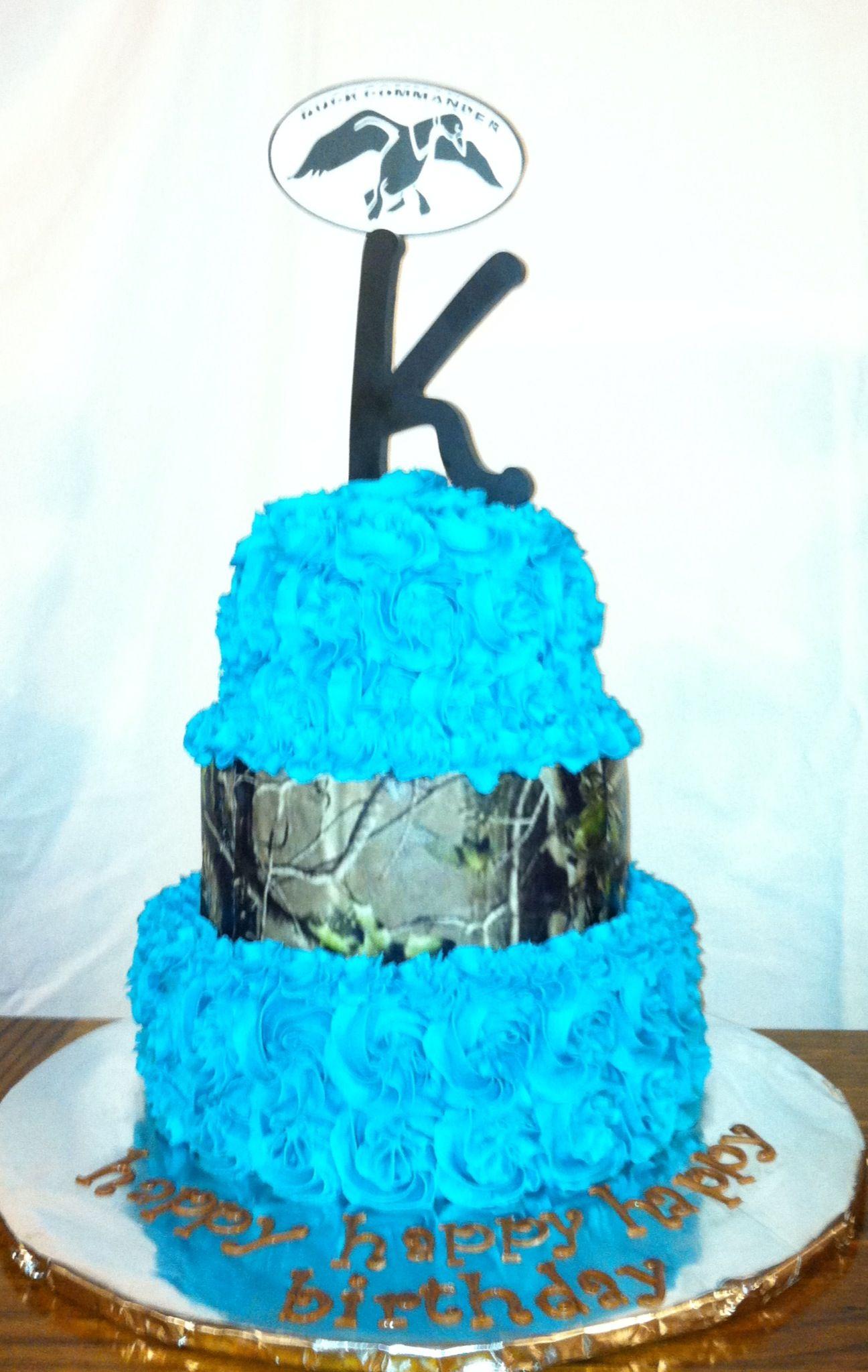 Camo blue cake Cakes by Nita Mimi Pinterest Blue cakes