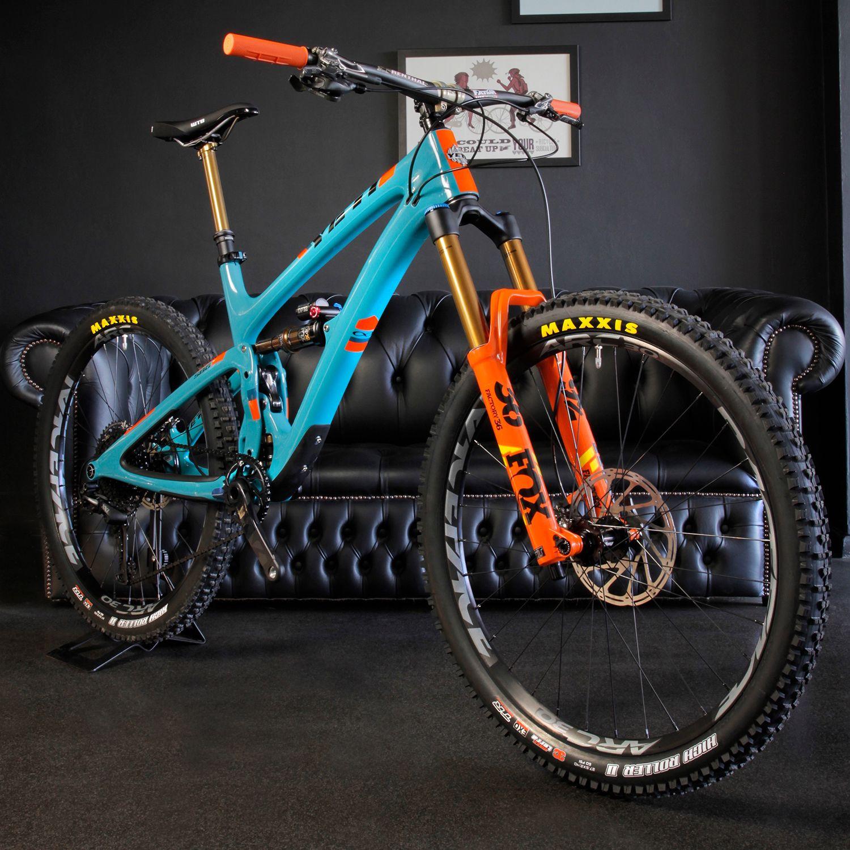 Yeti Pro Build Downhill Mountain Biking Yeti Bikes City Bike