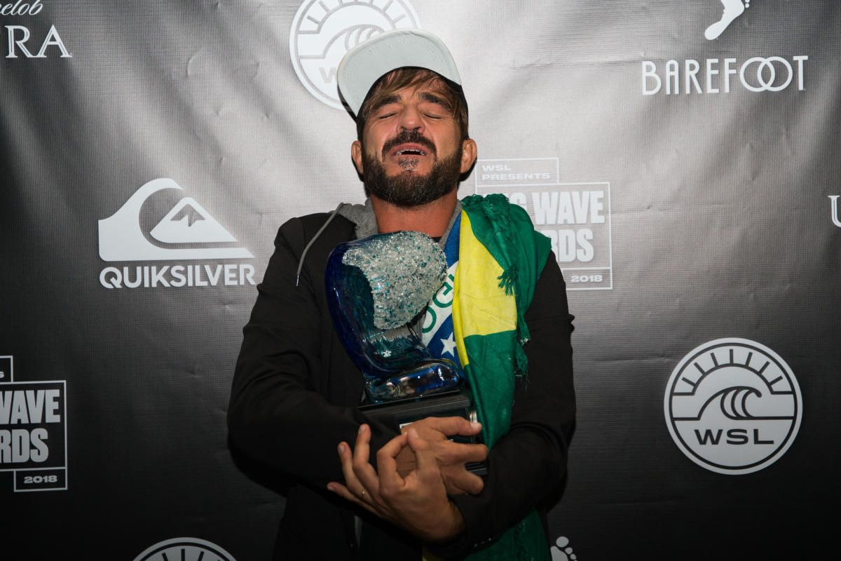 Big Xxl 2018 Wsl Big Wave Awards Rodrigo Koxa Wins Quiksilver Xxl