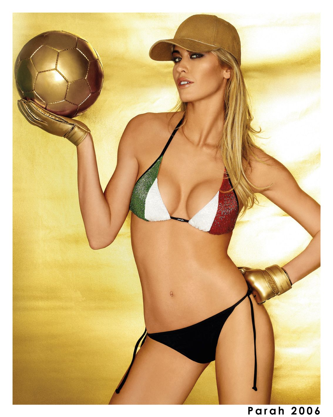 Parah celebrates #ItalianNationalFlagDay with a vintage picture: a limited edition created after Italy won the World Cup in 2006. Testimonial: Elena Santarelli! Subscribe to our newsletter to receive the latest news: http://bit.ly/ParahNewsLetterEn