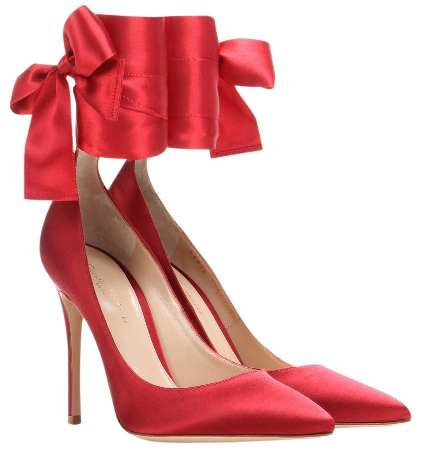 97e0c6f0996 Get the must-have pumps of this season! These Gianvito Rossi New Stain Bow  Lace Up Red Pumps are a top 10 member favorite on Tradesy.