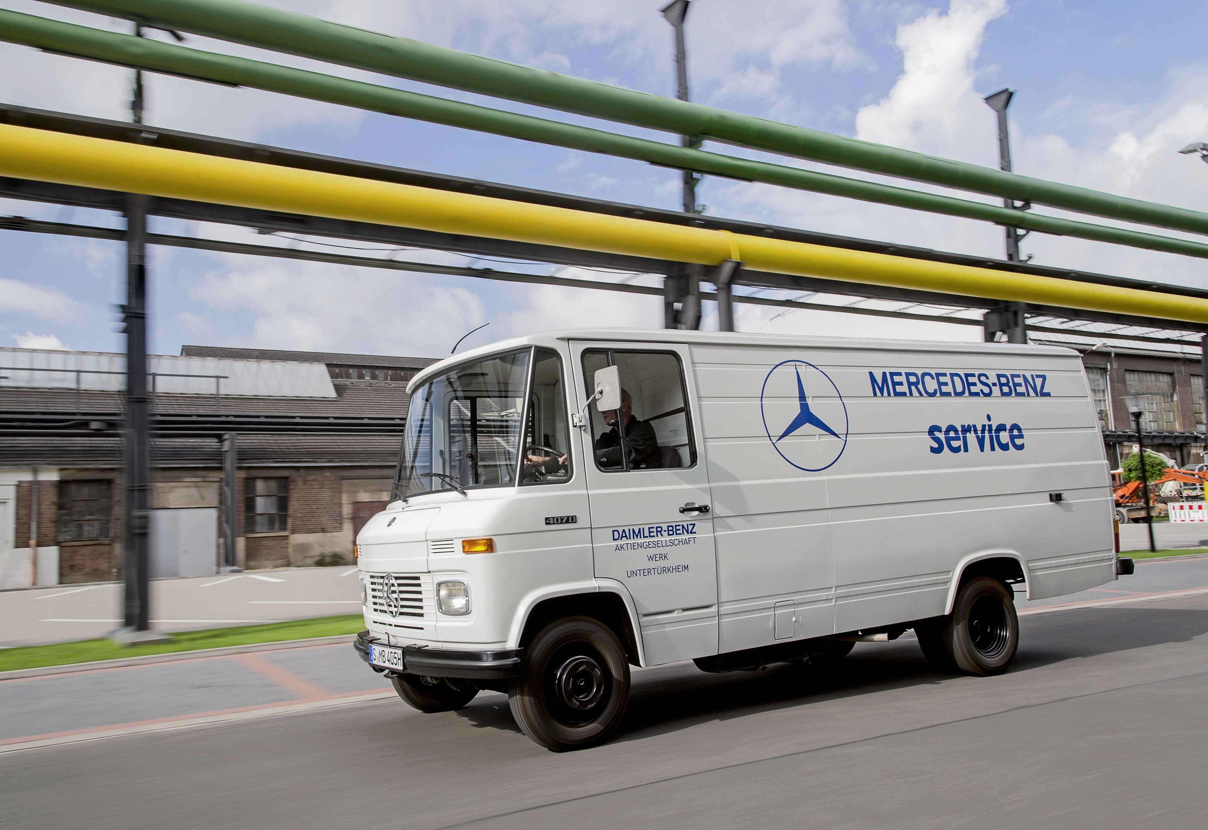 Mercedes benz l 407 d kastenwagen 39 for Mercedes benz service appointment