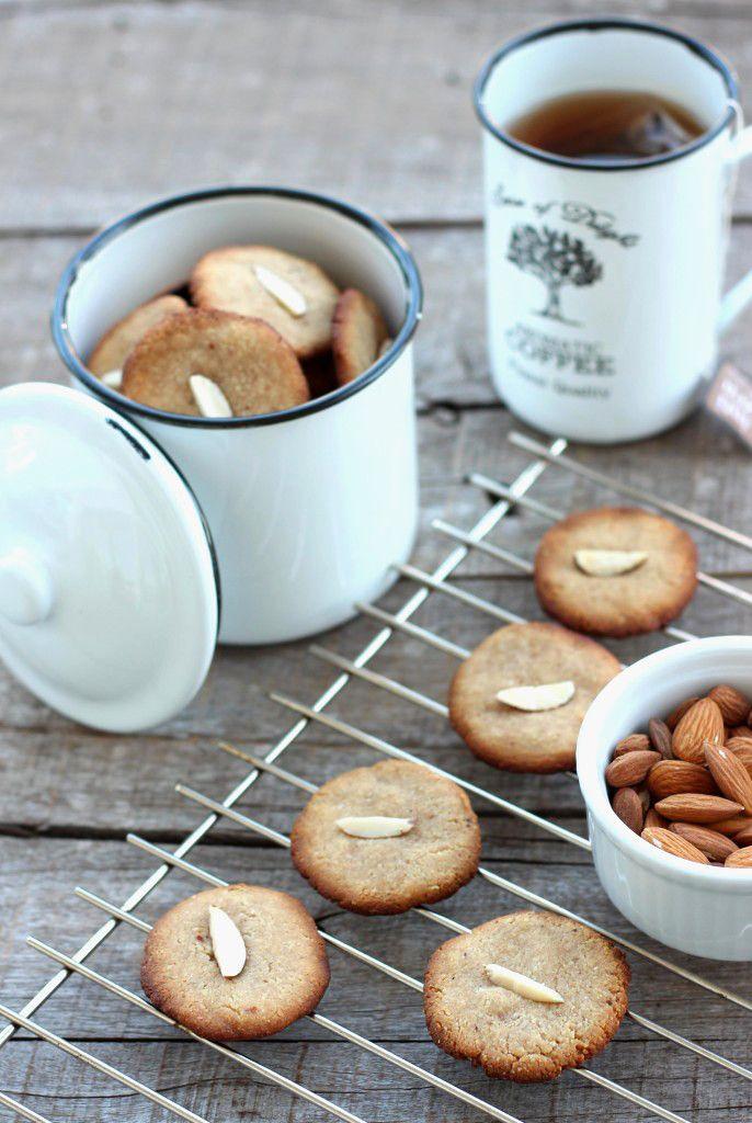Almond flour taste
