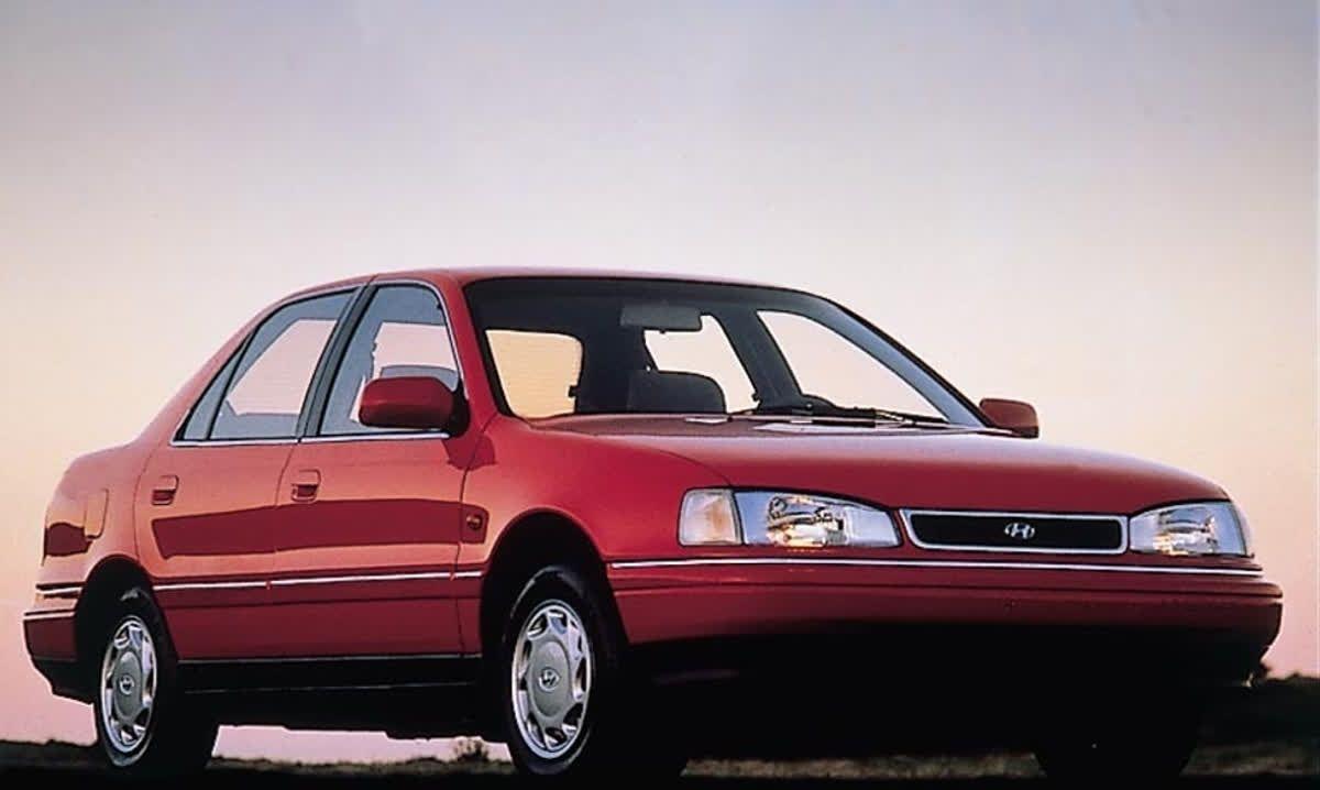 Time for #ThrowbackThursday with a 1993 #Hyundai Elantra. #TBT ...