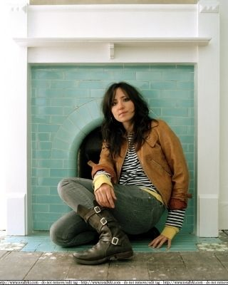 KT Tunstall with her kickass boots.