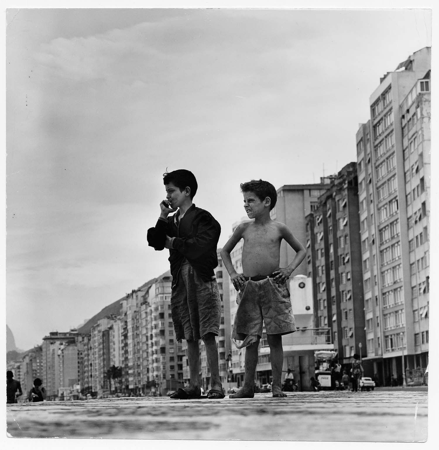 flavio da silva and gordon parks essay Gordon parks: photography as his or in this case a photo essay, that gordon parks used to editorialize was that of flavio da flavio da silva rio de janeiro.