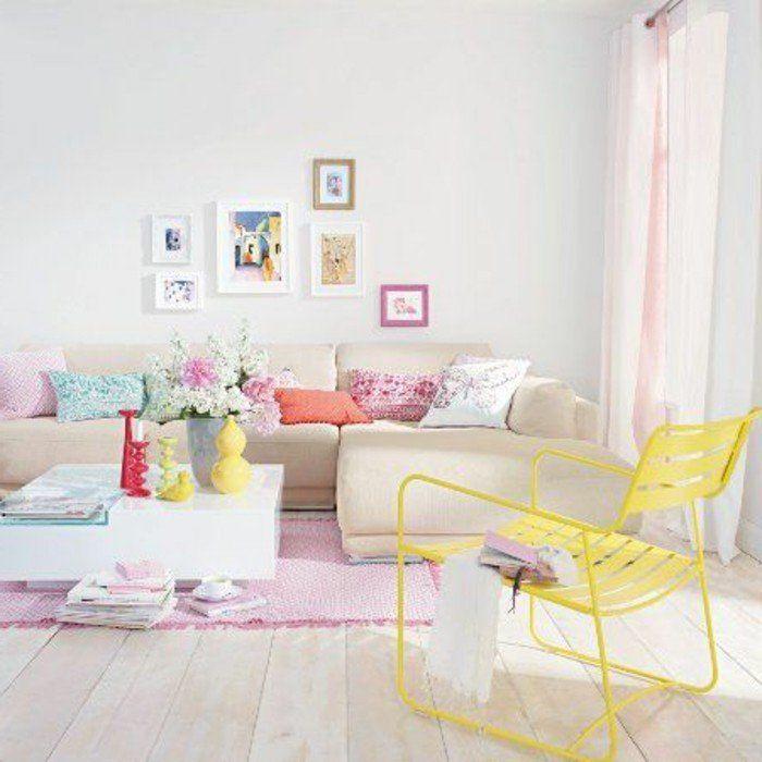 0 Salon De Couleurs Pastel Tapis Rose Sol En Parquet Clair Mur Blanc Canapé  Beige D