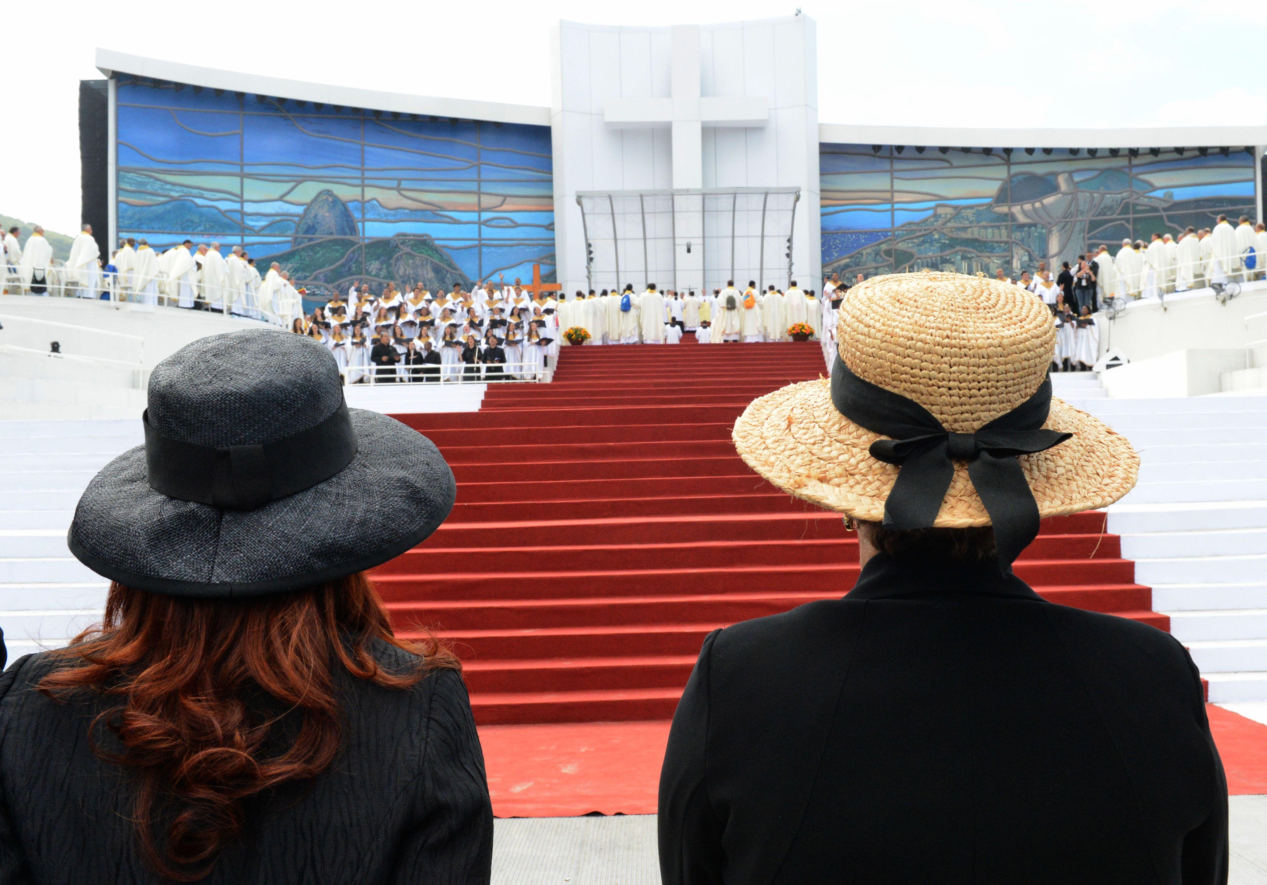 Cristina Fernández de Kirchner participó junto a Dilma Rousseff de la misa de clausura de la Jornada Mundial de la Juventud en Río de Janeiro, oficiada por el Papa Francisco.