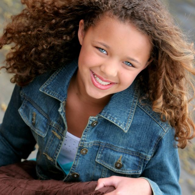 African American Female With Blond Hair And Blue Eyes -3405