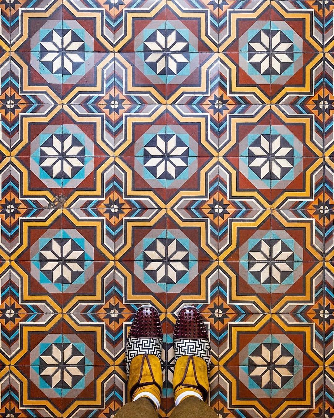 Paris à mes pieds   Quilts, Blanket, Flooring