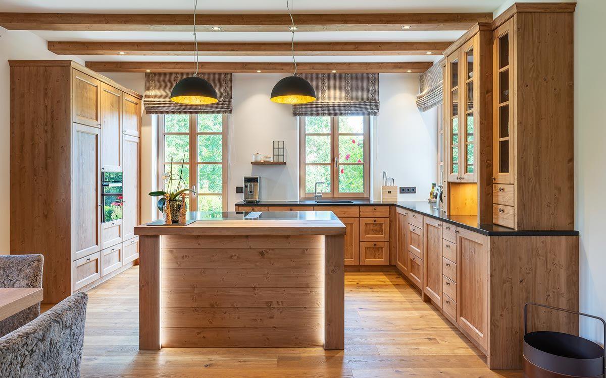 Massivholzkuchen Bild Von Johanna Fischer Auf Kuche In 2020 Haus Kuchen Landhauskuche