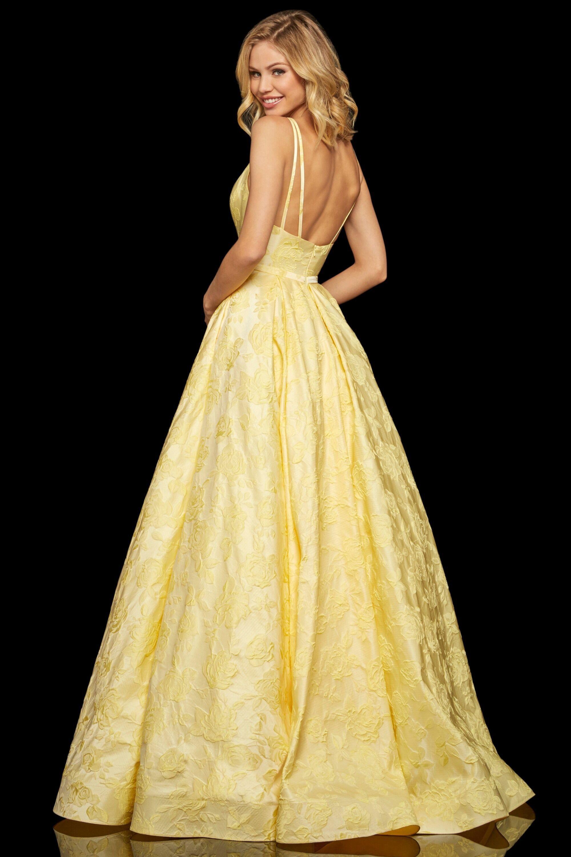 Sherri Hill 52953 Deep V Neck A Line Dress With Train In 2021 Sherri Hill Dresses Prom Dresses With Pockets Prom Dress Stores [ 3001 x 2000 Pixel ]