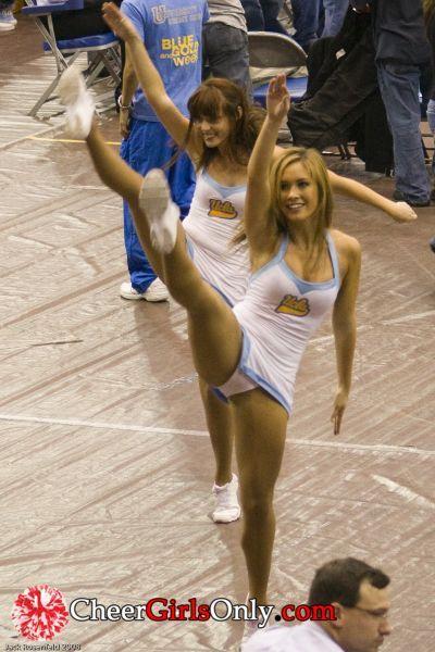 Cheerleader dress upskirt