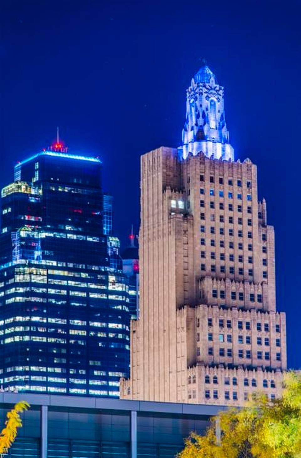 Photo Gallery Kansas City Turns Up The Blue Lights For Royals