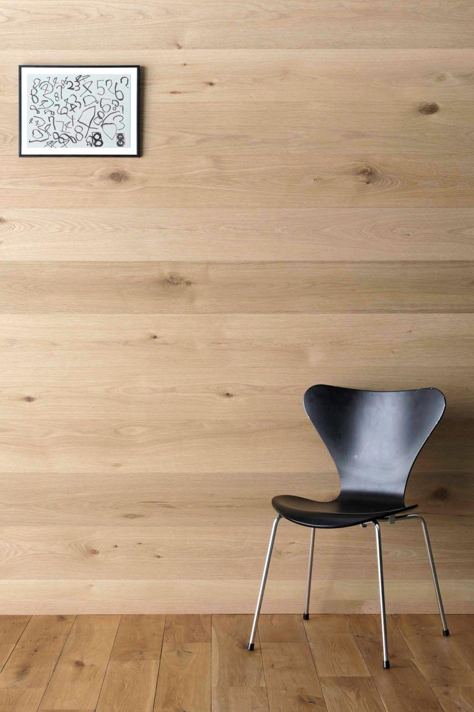 個性豊かな節入りグレードのオーク 天然木 を 単板に採用した不燃