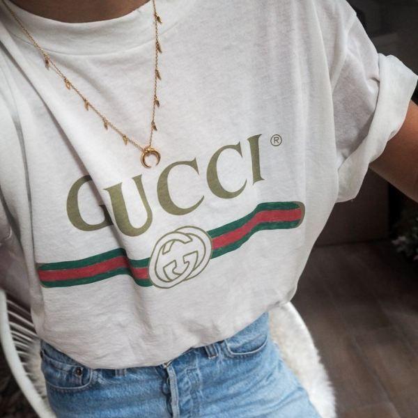 Gucci T-shirt Acessórios Gucci deb422e42bf24